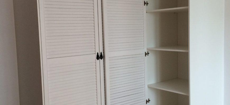 Шкаф платяной распашной